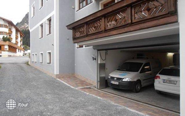 Haus Dorfplatz 4