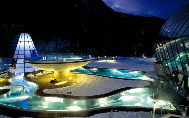 Aqua Dome 3