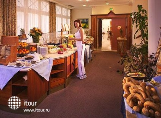 Cure And Spa Hotel Bad Tatzmannsdorf 9
