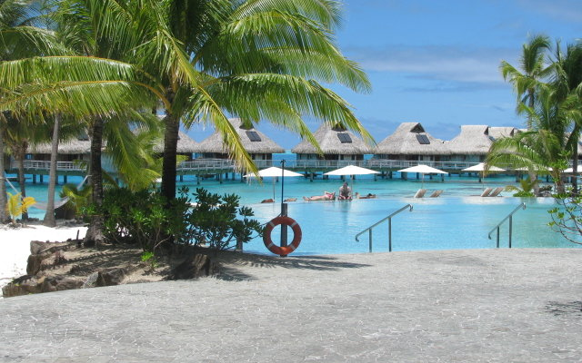 Bora Bora Nui Resort & Spa 3