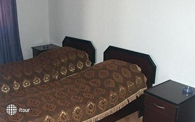 7 Hotel 2