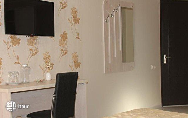 Elio Hotel 6