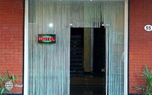 Elio Hotel 9