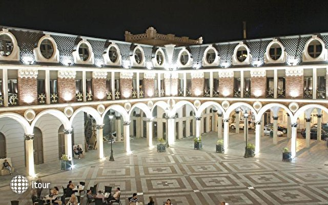 Piazza Four Colours 1