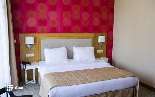 Sputnik Hotel Batumi 10