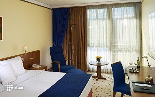 Sheraton Metechi Palace Hotel  3
