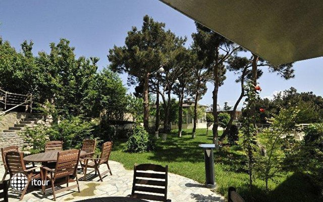 Beaumonde Garden 5