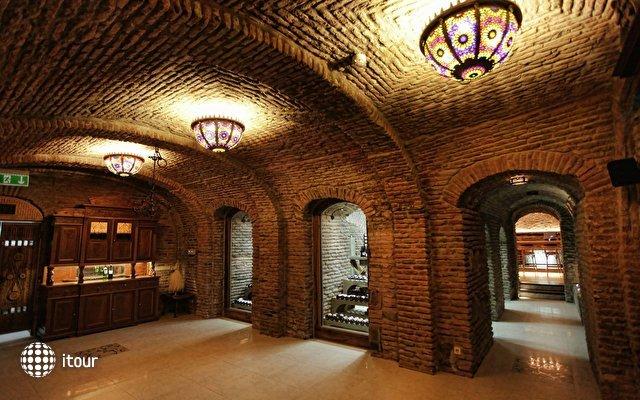 Vinotel Boutique Hotel  9