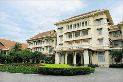 Raffles Hotel Le Royal 1
