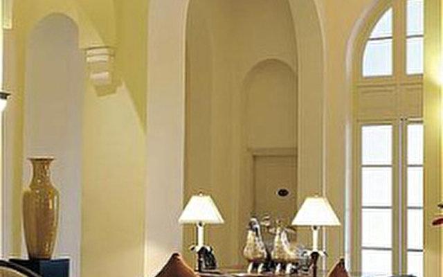 Raffles Hotel Le Royal 3
