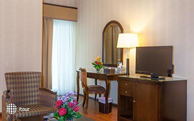 Flora Grand Hotel 10