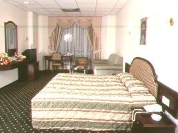 New Peninsula Hotel 4