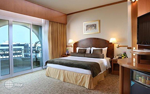 Arabian Court (ex. Ramada Hotel) 4