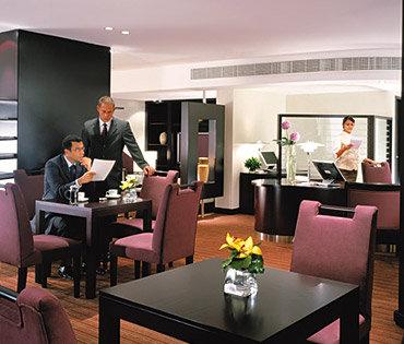 Traders Hotel Dubai 3