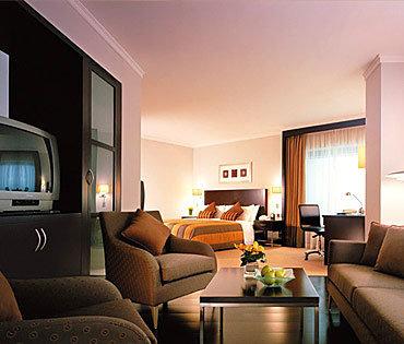 Traders Hotel Dubai 8