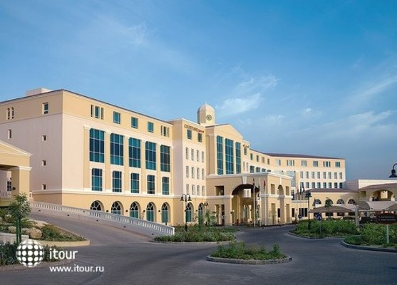 Courtyard By Marriott Dubai Green Community 4
