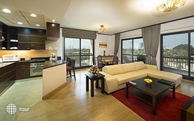 Park Hotel Apartments 8