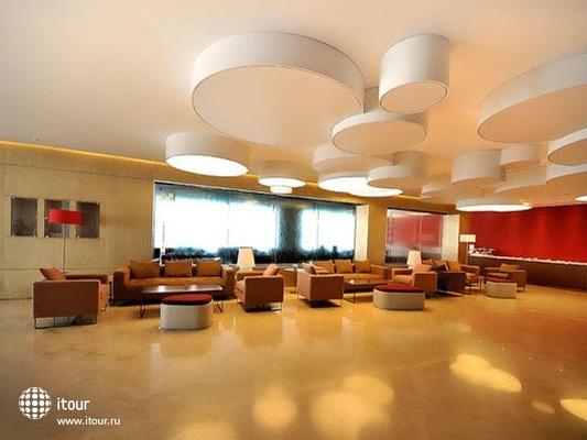 Al Bustan Centre & Residence 7