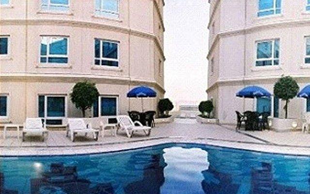 Al Bustan Centre & Residence 2