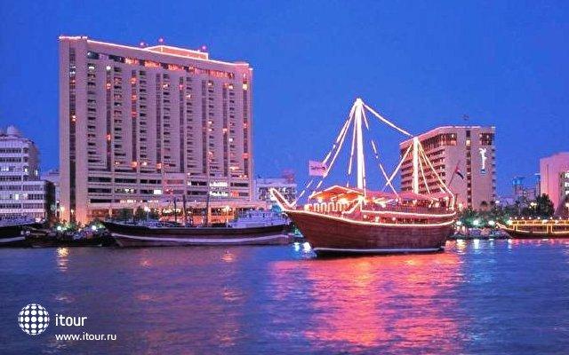 Radisson Blu Hotel Dubai Deira (ex. Radisson Sas Blu Creek) 1