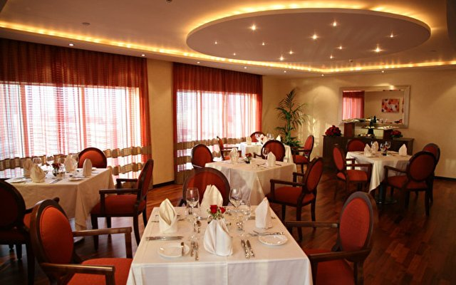 Samaya Hotel Deira 10