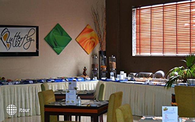Al Khoory Executive Hotel Al Wasl 5