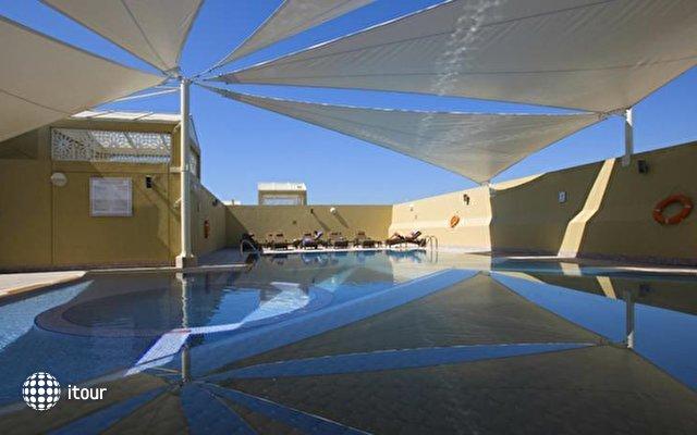 Al Khoory Executive Hotel Al Wasl 2