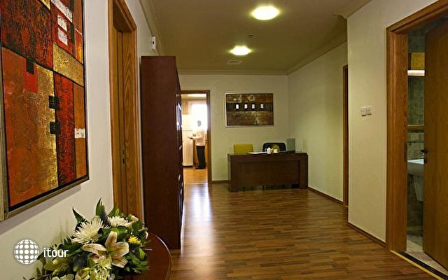 Al Khoory Executive Hotel Al Wasl 10