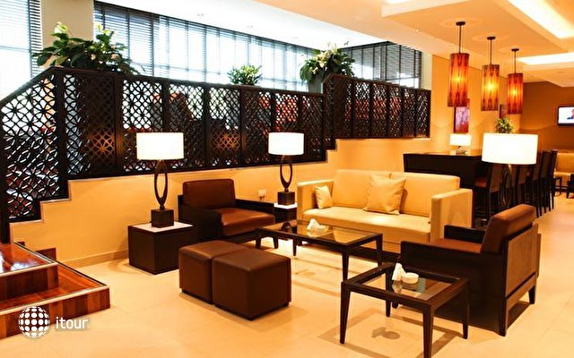 Holiday Inn Express Safa Park 4