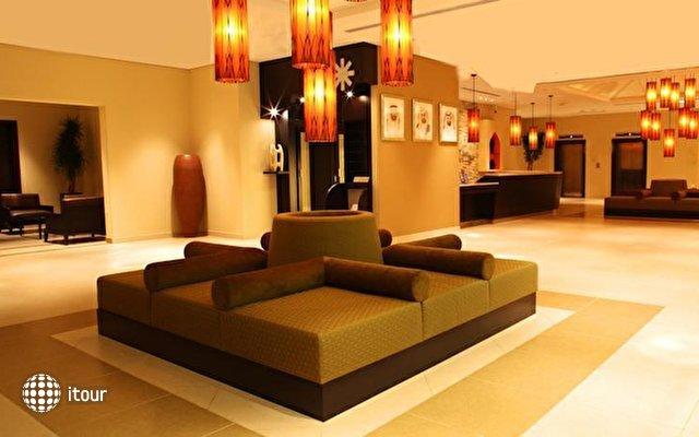 Holiday Inn Express Safa Park 6