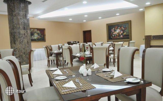 Cassells Al Barsha Hotel 9