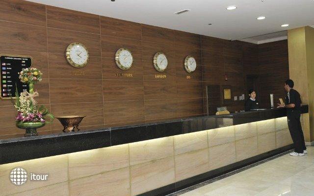 Cassells Al Barsha Hotel 10