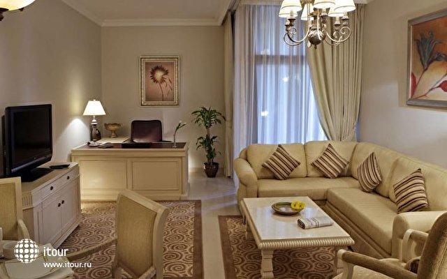 Gloria Hotel Media City 6