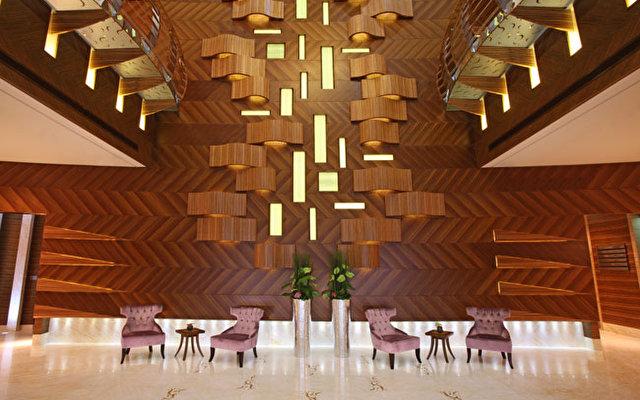 Angsana Hotel & Suites 9