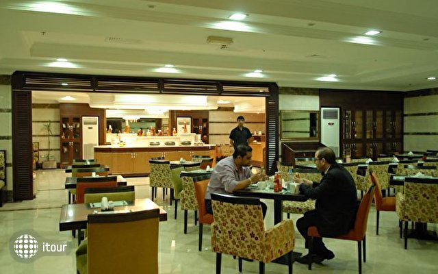 Al Manar Hotel Apartment 10