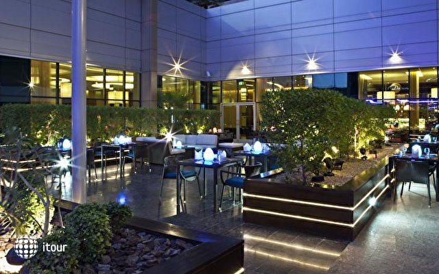 Novotel Suites Dubai Mall Of The Emirates 5