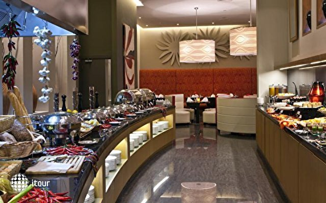 Novotel Suites Dubai Mall Of The Emirates 7