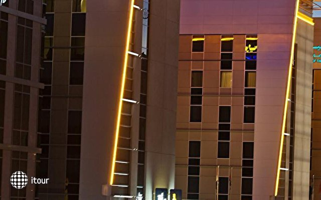 Novotel Suites Dubai Mall Of The Emirates 10