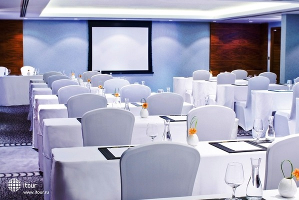 Movenpick Hotel Deira 4