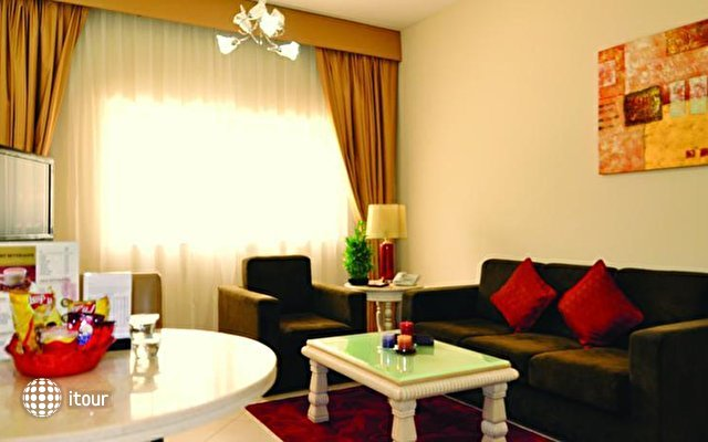 Auris Boutique Hotel Apartments 5