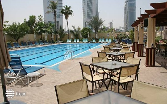 Dubai Trade Centre Hotel Apartments 5