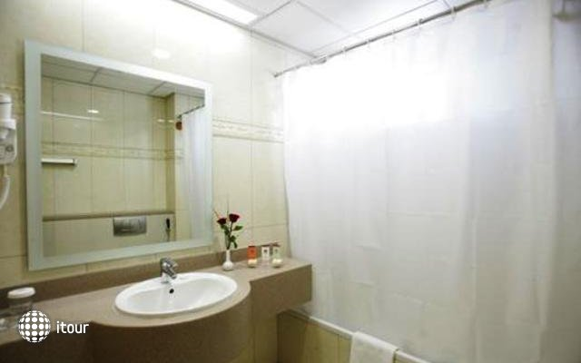 Winchester Deluxe Hotel Apartments 4