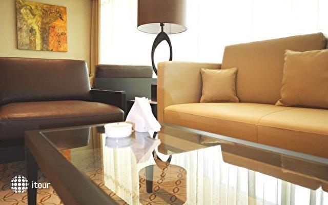 Holiday Inn Express Jumeirah 10