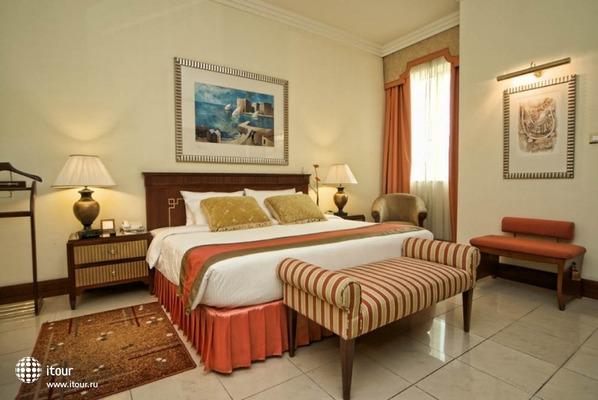 City Seasons Suites 2