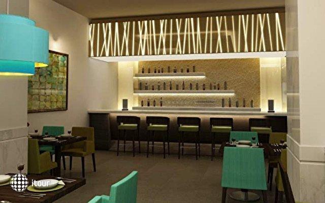 Doubletree By Hilton Hotel & Residences Dubai 7