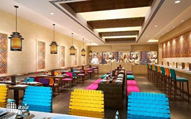 Doubletree By Hilton Hotel & Residences Dubai 6