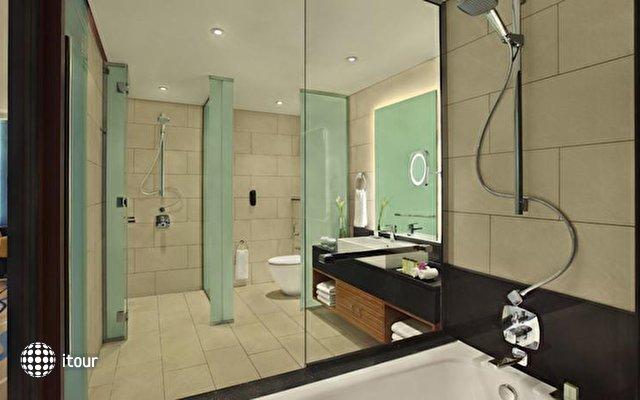 Doubletree By Hilton Hotel & Residences Dubai 9