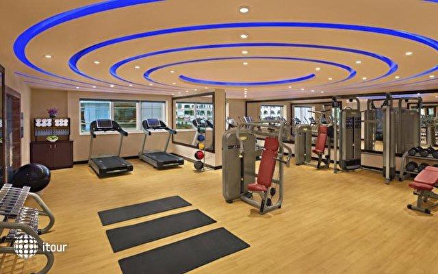 Doubletree By Hilton Hotel & Residences Dubai 5