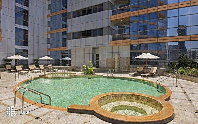 Doubletree By Hilton Hotel & Residences Dubai 3