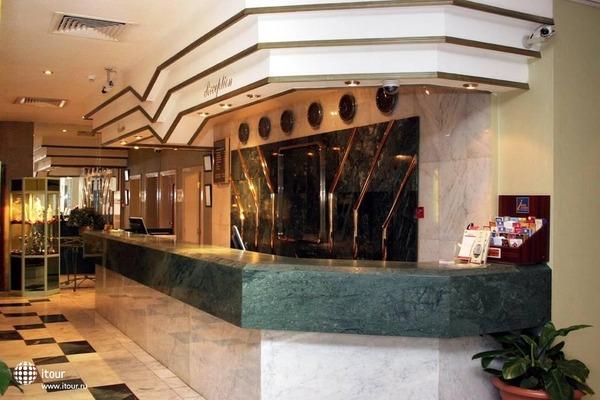 Ramee Guestline Hotel Al Riqqa 4